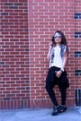 Black-willow-and-clay-leggings-black-h-m-blazer-graphic-tee-f21-shirt