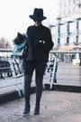 Alllegs-stuart-weitzman-boots-moto-topshop-jeans-black-aritzia-sweater