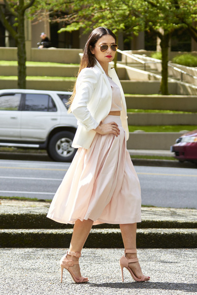 Pink Dress Forever 21 Dresses, White Zara Blazers, Gold Clutch ...