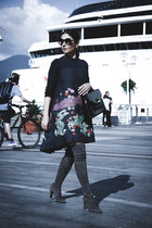 floral Metisu dress - stuart weitzman boots - structured ted baker bag