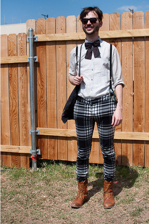 H&M tie - lace up vintage boots - vintage shirt - plaid pants
