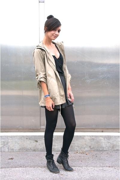 Rocket Dog shoes - A for Audrey jacket - black Target leggings - vintage shirt