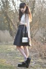 Ivory-motel-rocks-top-black-chicwish-skirt-black-ebay-sneakers