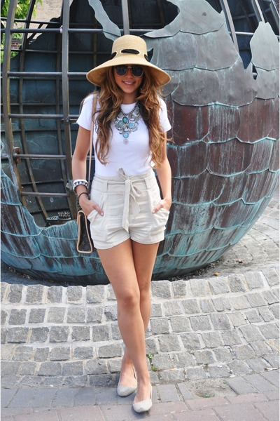 beige Kimichi and Blue shoes - beige Street Vendor hat - beige H&M shorts