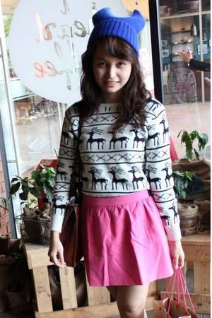 white unbranded sweater - blue beanie unbranded hat - hot pink Zara skirt