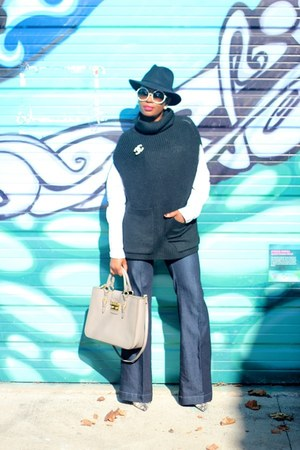Miu Miu bag - Tom Ford sunglasses