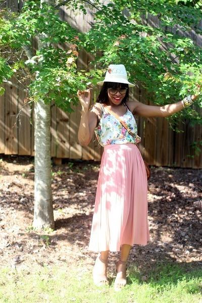 Gucci sunglasses - H&M skirt - Pedro Garcia sandals - Tucker blouse