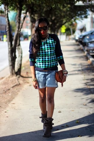 Chole bag - 7 for all mankind shorts - Celine sunglasses