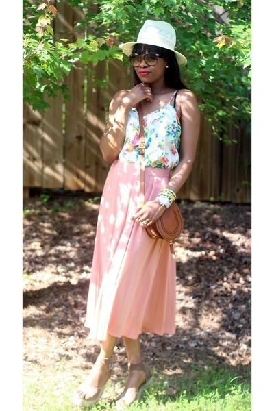 Gucci sunglasses - H&M skirt - Tucker blouse - Pedro Garcia sandals