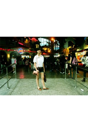 ivory yellowline top - navy Gaudi jeans - nude Topshop bag