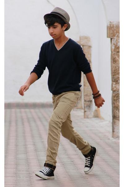camel Zara jeans - navy Zara shirt - black Converse sneakers
