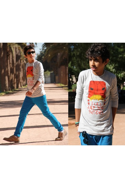 Massimo Dutti shoes - Zara jeans - Zara shirt - Ray Ban glasses