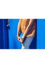 Zara-jeans-aldo-bag-bcbgeneration-sandals-forever-21-top