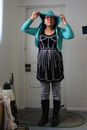 One Step Up jacket - Rosalind Keep Oasis dress - Hellz Bellz leggings - Ross boo