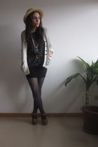 gray Zara t-shirt - H&M tights - Bimba&Lola shoes - vintage from Ebay hat - H&M