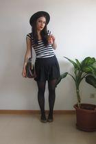 blue H&M shorts - gold Stradivarius shoes - black Primark tights - white Bershka