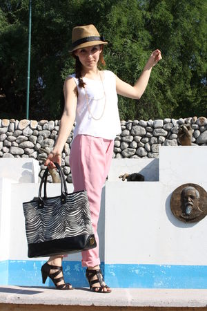 pink Bea Villasuso Me pants - brown Zara shoes - black tory burch purse