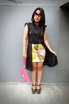 chartreuse tropical andreas wen skirt - hot pink clutch unbranded bag