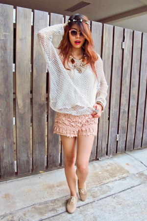 flower necklace Accessorize necklace - lace shorts Zara shorts
