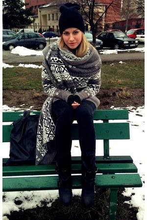 Bershka boots - SH hat - F&F cardigan