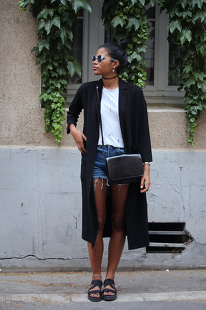 Levis shorts - Forever 21 top
