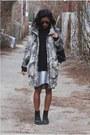 Beige-monki-coat