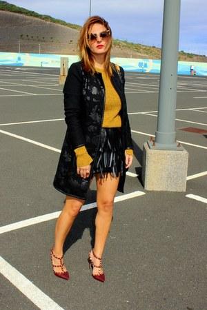 black suiteblanco skirt - mustard pull&bear sweater