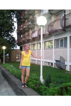 yellow with pocket no brand t-shirt - sky blue denim DIY shorts