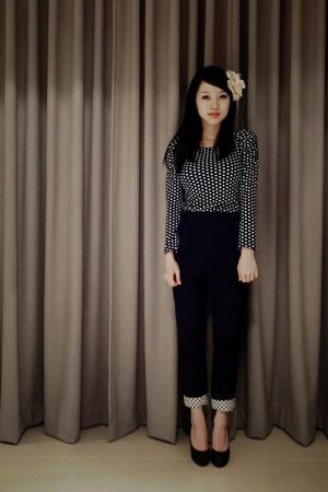 blue Own Online Boutique top - blue random store pants - black shoes