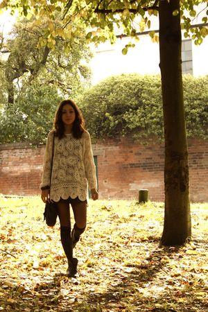 black vintage from Ebay skirt - beige Car boot - black TK Maxx accessories