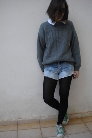 vintage jumper - shorts - Converse sneakers