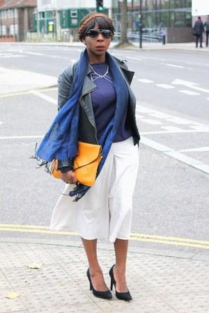 blue jumper jumper - black court shoes Zara shoes - ivory culottes asos pants