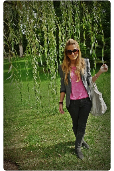 gray Bershka blazer - pink hm t-shirt - gray Zara jeans - gray Zara shoes