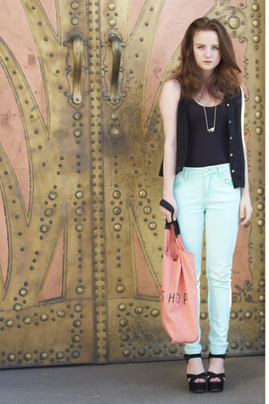 aquamarine mint acid wash Topshop jeans - salmon shopper Topshop bag