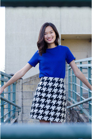 white H&M skirt - blue Simons sweatshirt