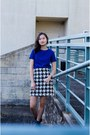 Blue-simons-sweatshirt-white-h-m-skirt