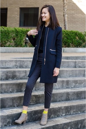 black ann taylor sweatshirt - tan Forever 21 boots - navy H&M coat