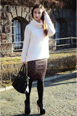 light pink Zara sweater - black Mohito bag