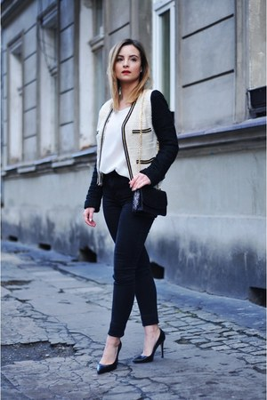 cream Mango jacket - black Stradivarius bag