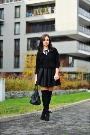 black c&a sweater - black Mohito bag - blue Zara necklace
