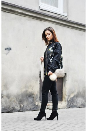 eggshell Fabiola bag - black deezee boots - black Rosegal jacket