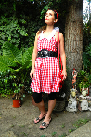 red vintage no brand dress - red girly Zara bag - black black no brand belt