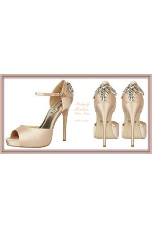 Badgely Mischka heels