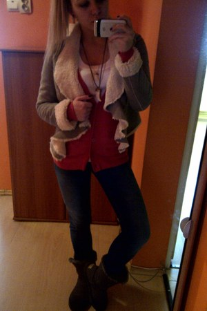 orange Primark cardigan - gray Ugg boots - blue pull&bear jeans