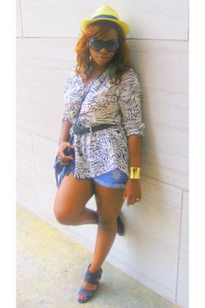 H&M top - Walmart hat - H&M bag - Forever21 shorts - Forever21 bracelet