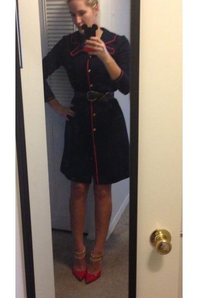 red stuart weitzman heels - thrifted vintage coat - brown woven no brand belt