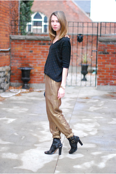 gold Club Monaco pants - black cropped Zara sweater - black leather Zara heels