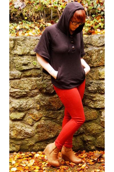 black Primark cape - red next jeans - burnt orange Aldo wedges
