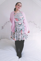 pink elbow patches Primark cardigan - white floral Primark dress