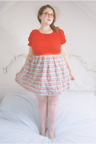 blue print Cath Kidston skirt - red gypsy vintage top